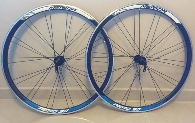 Колесо велосипедное заднее Merida Aero, 38, 11S, 700C, 28H, h=38мм, черно-белое, 3030005840